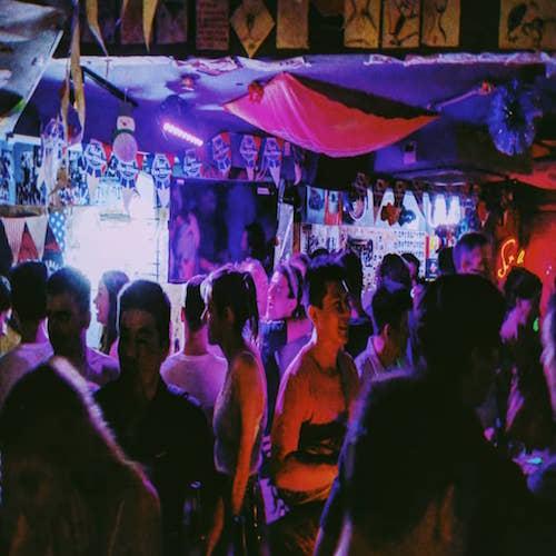 Skinny's Lounge – Singapore