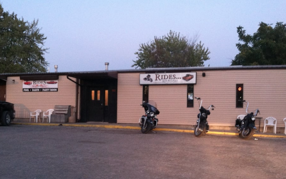 Rides Bar & Grill – Fort Dodge, IA